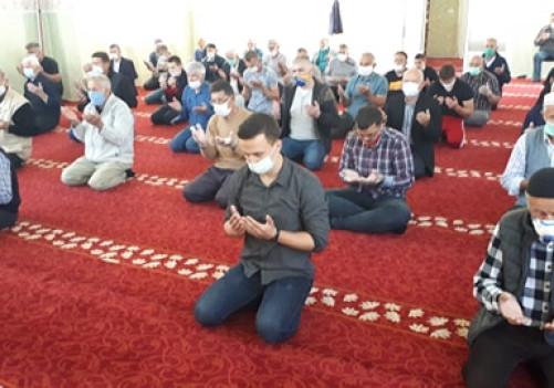 Posljednja teravija će se klanjati u džamijama večeras