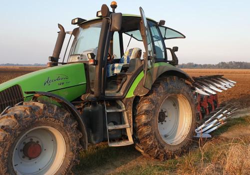 Kupljen traktor za obradu vakufske zemlje u Janji
